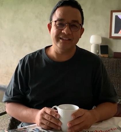 https: img.okezone.com content 2021 06 19 338 2427678 anies-ajak-masyarakat-sabtu-minggu-di-rumah-saja-habiskan-waktu-bareng-keluarga-73FVKsdUlN.jpg