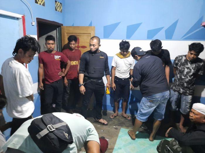 https: img.okezone.com content 2021 06 19 340 2427885 asyik-pesta-sabu-bandar-dan-pemakai-ditangkap-polisi-hWc335r0mA.jpg
