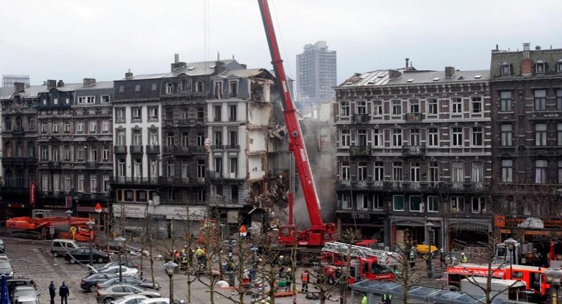 https: img.okezone.com content 2021 06 21 18 2428232 sekolah-yang-sedang-dibangun-ambruk-tewaskan-5-pekerja-3IUPApkqjm.jpg
