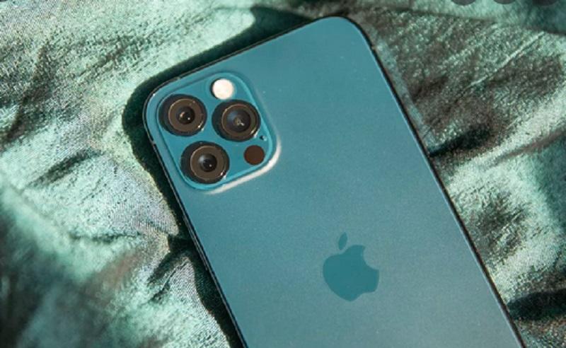 https: img.okezone.com content 2021 06 22 16 2428989 apple-hentikan-produksi-iphone-12-mini-RwpSBbgWfA.jpg