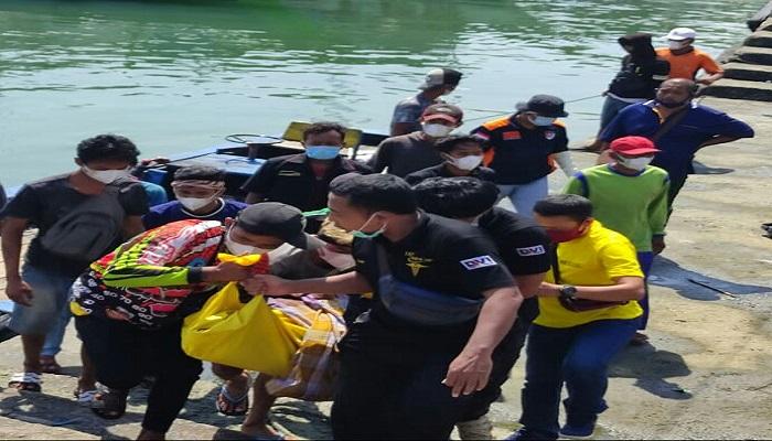 https: img.okezone.com content 2021 06 22 340 2429303 tulungagung-gempar-sehari-ditemukan-2-mayat-di-pantai-selatan-isjdG3kXkK.jpg