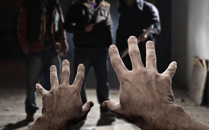 https: img.okezone.com content 2021 06 22 525 2428780 aniaya-warga-3-anggota-geng-motor-di-majalengka-ditangkap-DpZZjJZa11.jpg