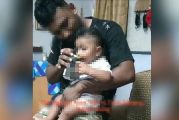 https: img.okezone.com content 2021 06 23 18 2429587 video-bayi-dicekoki-minuman-alkohol-viral-polisi-didesak-lakukan-penyelidikan-4DwhG7VRYd.jpg
