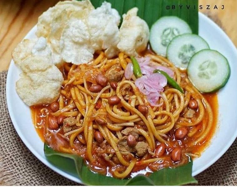 https: img.okezone.com content 2021 06 23 301 2429477 5-kuliner-khas-daerah-yang-mudah-ditemui-di-jakarta-mie-aceh-hingga-bebek-madura-jVskUW5ysb.jpg