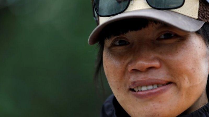 https: img.okezone.com content 2021 06 23 406 2429534 usai-pecahkan-rekor-pendakian-everest-wanita-ini-tak-bisa-pulang-ke-negaranya-1rBZY6FbMi.jpg