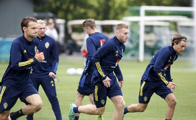 https: img.okezone.com content 2021 06 23 51 2429891 timnas-swedia-hadapi-polandia-dejan-kulusevski-berharap-dapat-kesempatan-bermain-h1hbXW9CJr.jpg