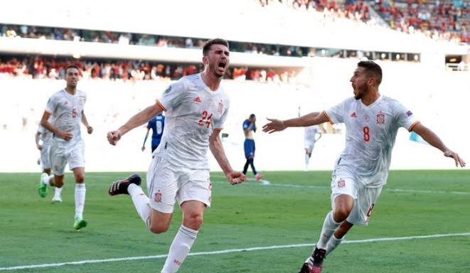 https: img.okezone.com content 2021 06 23 51 2430002 spanyol-unggul-2-0-atas-slovakia-di-babak-pertama-eiQHjHrHRt.jpg