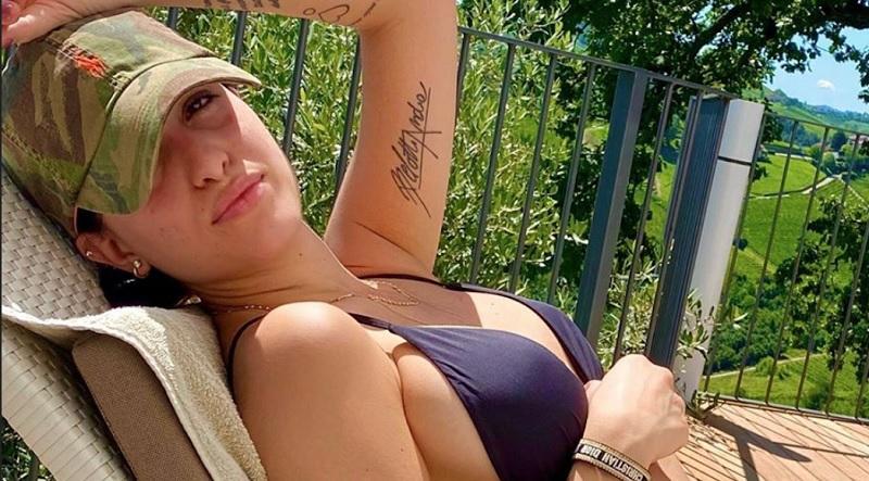 https: img.okezone.com content 2021 06 26 194 2431410 pesona-wags-seksi-italia-giorgia-duro-istri-andrea-belotti-Ec8jVzujif.jpg