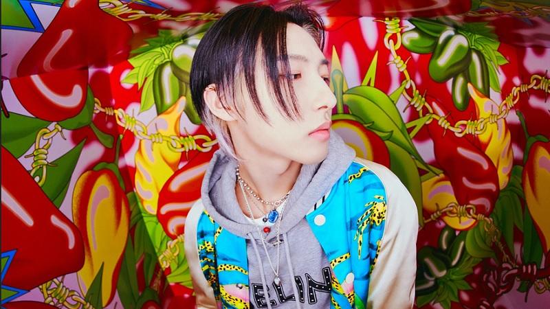 https: img.okezone.com content 2021 06 26 194 2431415 intip-4-gaya-renjun-nct-dream-dengan-outfit-mewah-gnm03LdXdJ.jpg