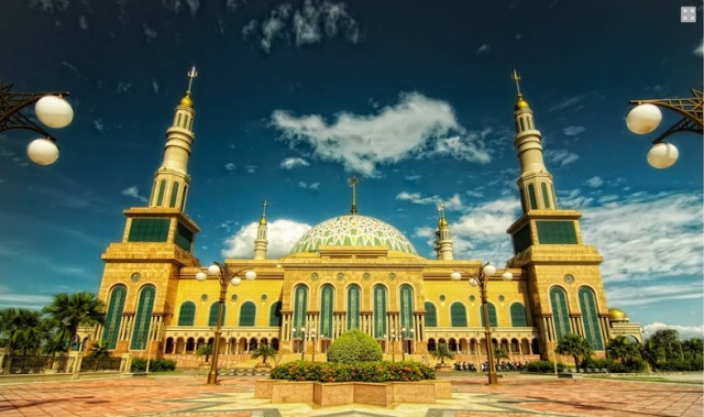 https: img.okezone.com content 2021 06 27 615 2431537 5-masjid-terunik-di-indonesia-cocok-buat-wisata-religi-yang-instagramable-vvy0vTmGjK.jpg