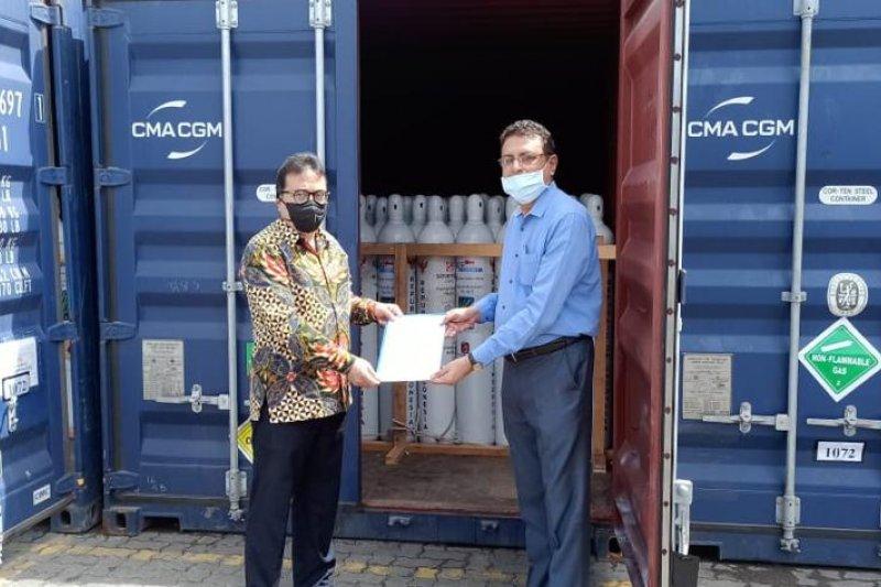 https: img.okezone.com content 2021 06 28 18 2432066 indonesia-kembali-berikan-hibah-2-000-tabung-oksigen-kepada-india-y9CxaCh5Og.jpg
