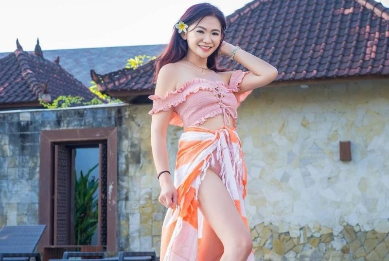 https: img.okezone.com content 2021 06 28 194 2431752 pesona-nenek-cantik-puspa-dewi-umur-53-tahun-setara-gadis-25-tahun-CAoONgYAZv.jpg