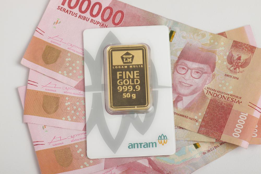 https: img.okezone.com content 2021 06 28 320 2431872 turun-rp1-000-harga-emas-dibanderol-rp933-000-gram-D7rmSOSZmo.jpeg