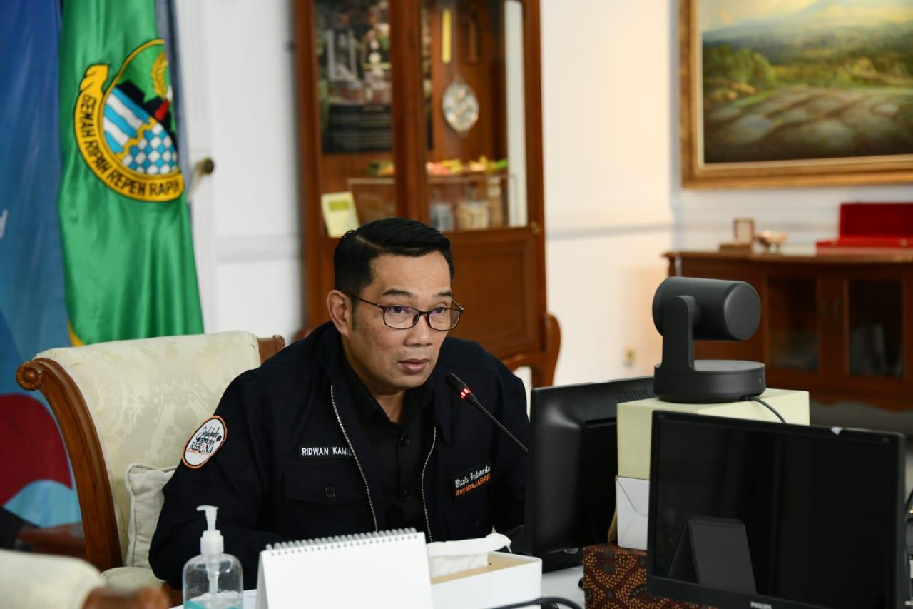 https: img.okezone.com content 2021 06 28 525 2432252 ridwan-kamil-jabar-perkuat-fungsi-posko-penanganan-covid-19-level-desa-kelurahan-zk8n3kUXiu.jpg