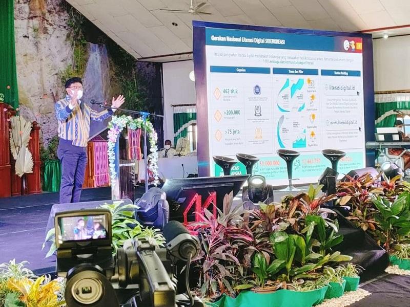 https: img.okezone.com content 2021 06 29 1 2432302 kupang-bangun-literasi-digital-bertajuk-kupang-makin-cakap-digital-p7ZX2FAXhm.jpg