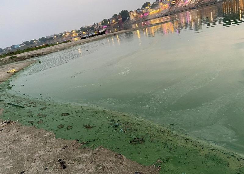 https: img.okezone.com content 2021 06 29 18 2432459 banjir-musiman-india-hanyutkan-puluhan-mayat-korban-covid-ke-sungai-gangga-7gqHesrOrw.jpg