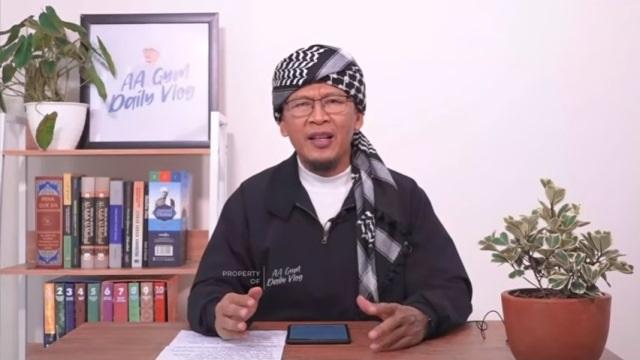 https: img.okezone.com content 2021 06 29 33 2432799 sidang-cerai-aa-gym-dan-teh-ninih-ditunda-hingga-6-juli-Wf2enVluEi.jpg