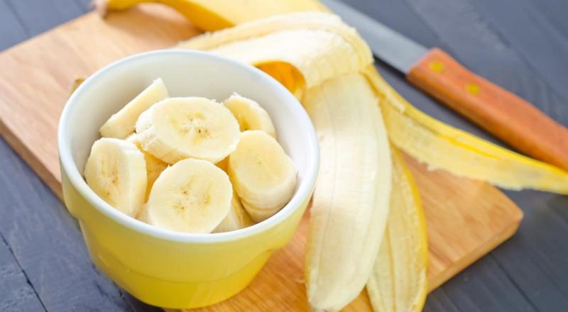 https: img.okezone.com content 2021 06 29 620 2432597 pisang-makanan-kaya-manfaat-jaga-kesehatan-jantung-hingga-cegah-kanker-SSn3cagAeA.jpg