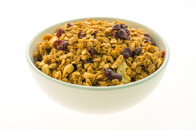 https: img.okezone.com content 2021 06 30 298 2433326 granola-tidak-cuma-enak-buat-sarapan-ini-5-manfaatnya-untuk-tubuh-KjqhVZR5Xs.jpg