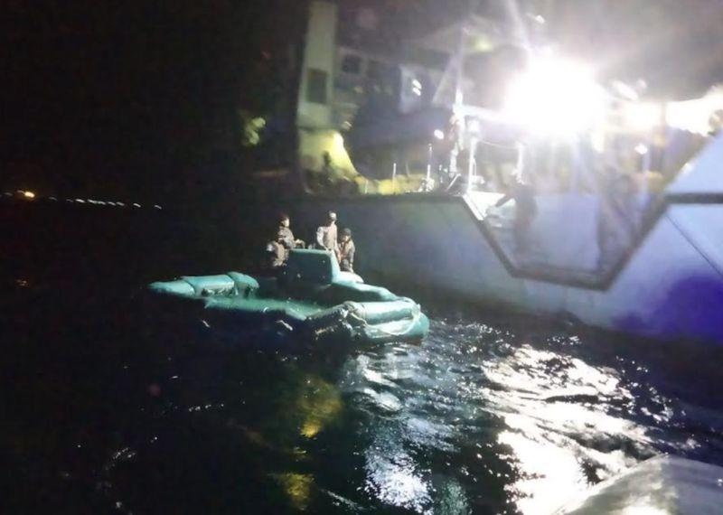 https: img.okezone.com content 2021 06 30 337 2433067 tni-al-kerahkan-2-kapal-perang-bantu-evakuasi-kmp-yunice-HpOb5CPLAF.jpg