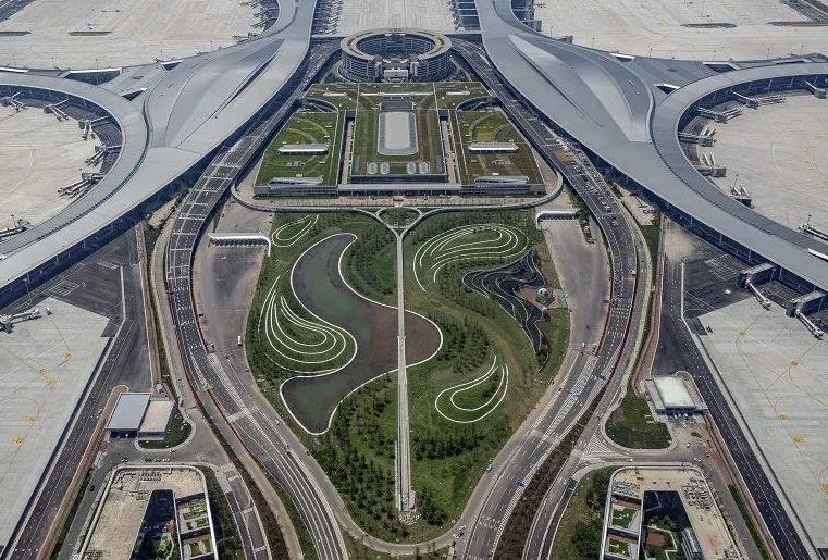 https: img.okezone.com content 2021 07 01 406 2433641 bandara-megah-senilai-rp156-triliun-di-china-resmi-beroperasi-0nrpzoUkkZ.JPG