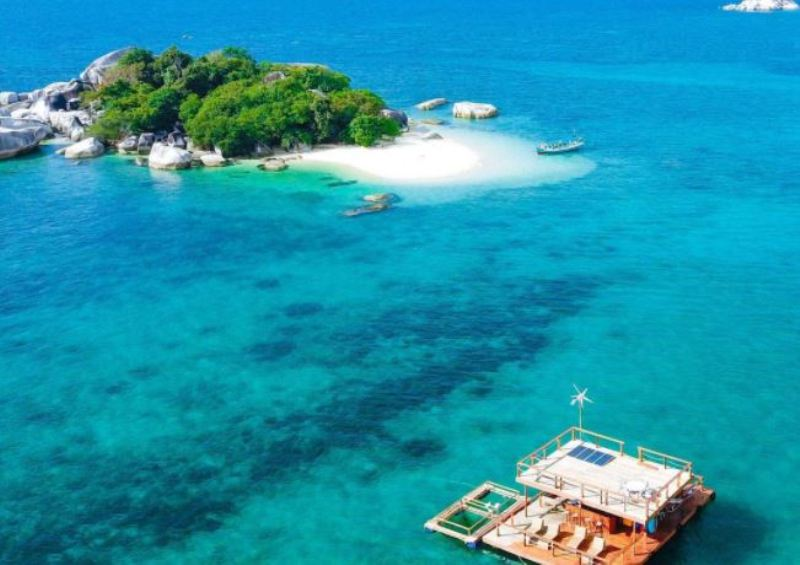 https: img.okezone.com content 2021 07 01 408 2434079 5-destinasi-wisata-bak-surga-di-belitung-maldives-nya-indonesia-gR51REsaKM.jpg