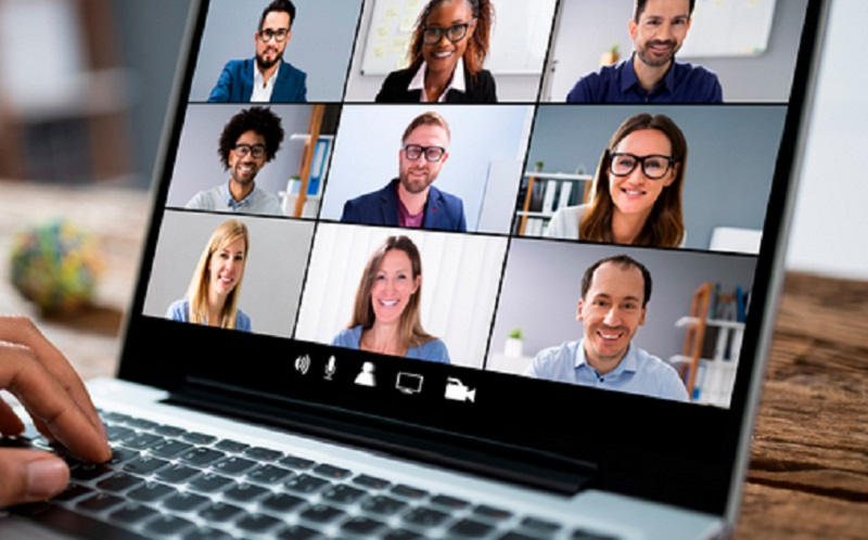 https: img.okezone.com content 2021 07 01 57 2433677 zoom-akuisisi-perusahaan-ai-mudahkan-pengguna-meeting-online-beda-bahasa-FPlUgV0ivl.jpg