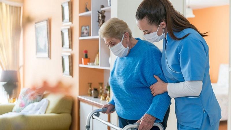 https: img.okezone.com content 2021 07 01 620 2433772 cara-bawa-pasien-covid-19-dari-rumah-ke-rs-yang-aman-9jXulBxA6r.jpg