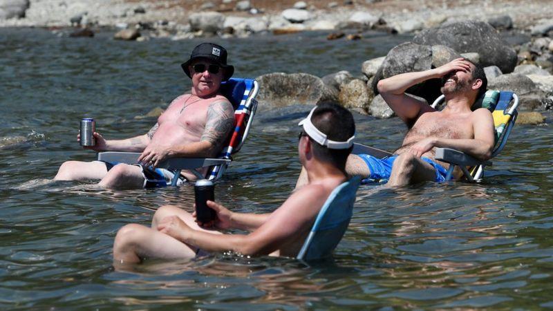 https: img.okezone.com content 2021 07 02 18 2434202 486-orang-meninggal-mendadak-akibat-gelombang-panas-ini-yang-harus-dilakukan-untuk-mencegahnya-TcomT80eRR.jpg