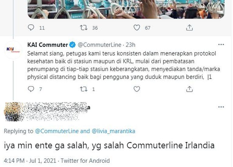 https: img.okezone.com content 2021 07 02 338 2434272 viral-kerumunan-di-gerbong-krl-jawaban-template-kai-commuter-dapat-sindiran-netizen-zCXK2QbSlk.JPG