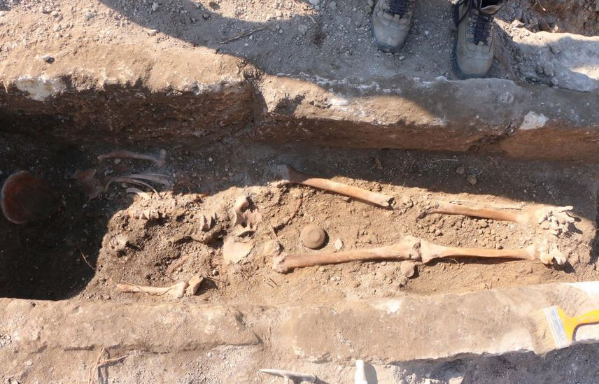 https: img.okezone.com content 2021 07 02 406 2434378 ilmuwan-temukan-kerangka-manusia-berusia-1-000-tahun-era-byzantium-tkLMkTQKQD.JPG