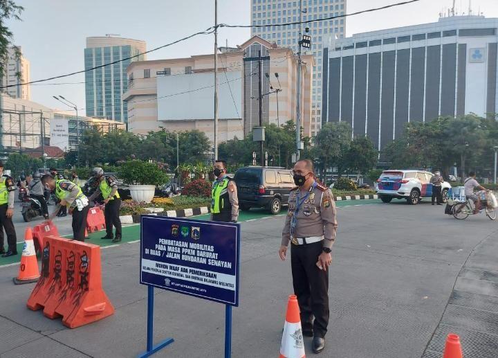 Ppkm Darurat Ruas Jalan Jakarta Disekat Okezone Megapolitan