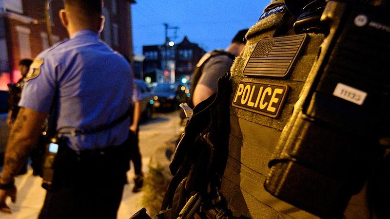 https: img.okezone.com content 2021 07 04 18 2435246 bentrokan-selama-berjam-jam-polisi-tangkap-kelompok-bersenjata-74Wne1lqYR.jpg