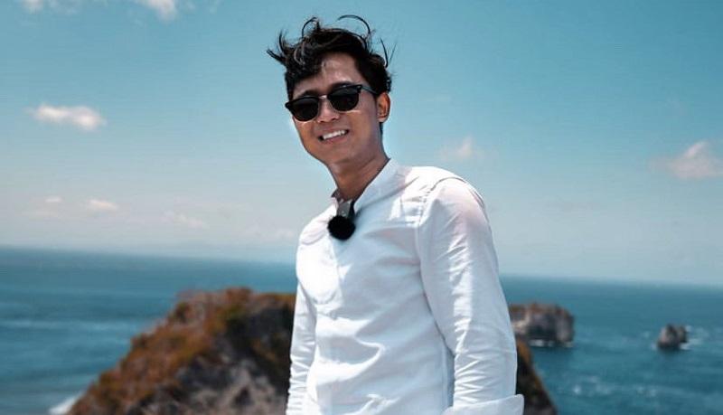 https: img.okezone.com content 2021 07 04 33 2435287 profil-doni-salmanan-sultan-muda-yang-donasi-rp1-m-ke-reza-arap-R7xxiCLlXY.jpg