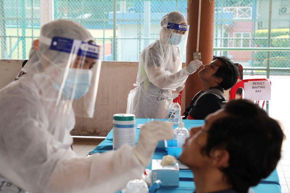 https: img.okezone.com content 2021 07 06 18 2436242 peneliti-khawatir-pandemi-covid-19-picu-gangguan-kesehatan-mental-5eWu59EwDm.jpg