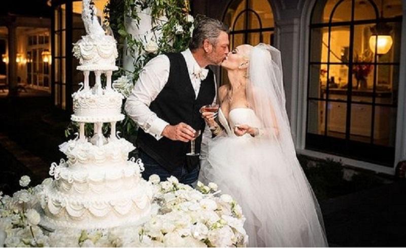 https: img.okezone.com content 2021 07 06 194 2436365 intip-cantiknya-gaun-pengantin-gwen-stefani-sIr2l6PXbq.jpg