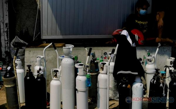 https: img.okezone.com content 2021 07 06 320 2436145 dirut-pertamina-turun-tangan-atasi-kelangkaan-gas-oksigen-luDENEs3rN.jpg