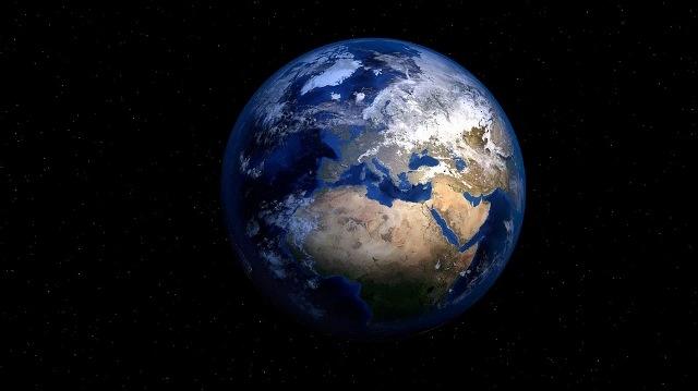 https: img.okezone.com content 2021 07 06 614 2436193 alquran-dan-sains-bentuk-bumi-bulat-seperti-gulungan-kain-sorban-di-kepala-sIpjnYgPv8.jpg