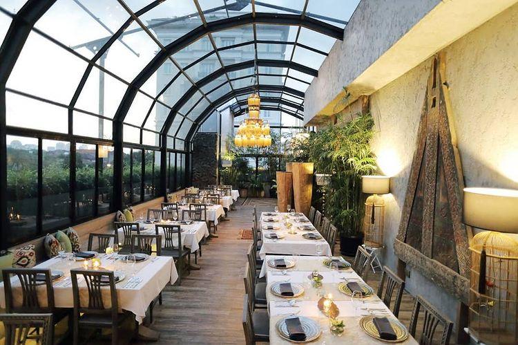 https: img.okezone.com content 2021 07 07 301 2437063 5-rekomendasi-kafe-dan-restoran-untuk-bridal-shower-pestanya-makin-berkesan-vVkkvaU8LN.jpg