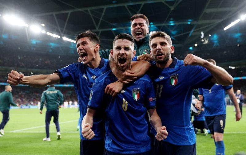 https: img.okezone.com content 2021 07 07 51 2436707 5-rekor-yang-tercipta-di-laga-italia-vs-spanyol-pada-semifinal-piala-eropa-2020-nomor-1-mengejutkan-1x9cdnvLVt.jpg