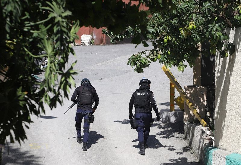 https: img.okezone.com content 2021 07 08 18 2437359 pembunuh-presiden-haiti-menyamar-sebagai-agen-dinas-anti-narkoba-as-A5t3PpdsCv.JPG