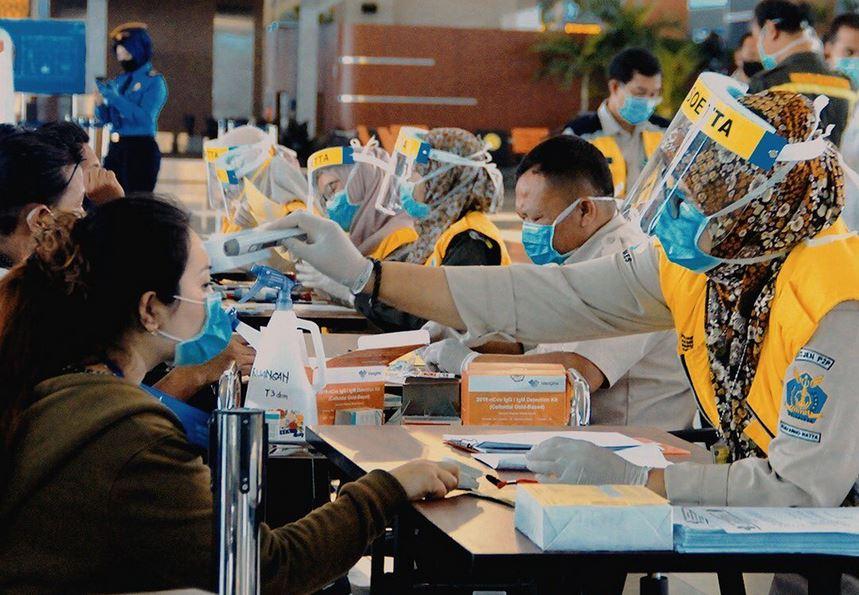 https: img.okezone.com content 2021 07 08 406 2437368 layanan-vaksinasi-covid-19-di-bandara-soekarno-hatta-kini-buka-24-jam-e00bG5M3eK.JPG