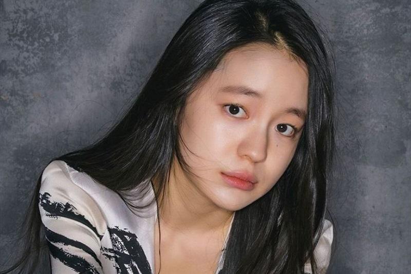 https: img.okezone.com content 2021 07 09 206 2438381 akting-jelek-park-hae-eun-mundur-dari-produksi-drama-hwan-hon-0647S6eRxt.jpg