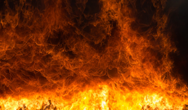 https: img.okezone.com content 2021 07 09 330 2437930 suasana-mencekam-penduduk-neraka-mengira-asap-api-pun-sebagai-tempat-naungan-cph8v7pHpj.jpg
