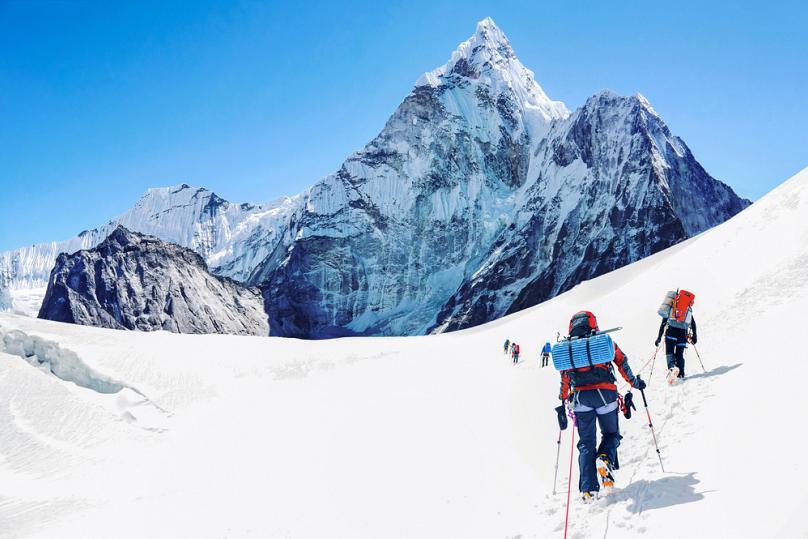https: img.okezone.com content 2021 07 09 408 2438267 10-gunung-dengan-biaya-pendakian-termahal-di-dunia-nomor-4-milik-indonesia-lEUjdhxosk.jpg