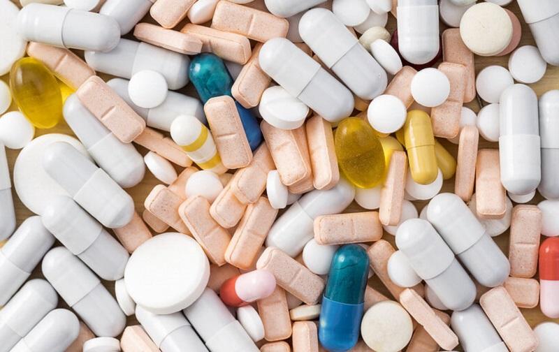 https: img.okezone.com content 2021 07 09 481 2438146 banyak-obat-ilegal-beredar-selama-pandemi-ini-cara-melaporkan-ke-bpom-WiWhFjfrJR.jpg