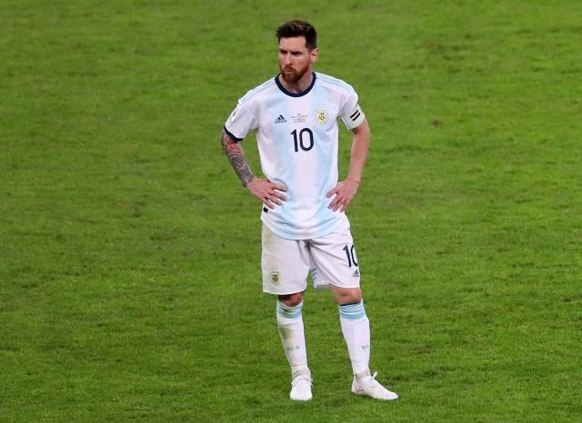 https: img.okezone.com content 2021 07 09 51 2438357 5-pertemuan-terakhir-brasil-vs-argentina-di-laga-kompetitif-lionel-messi-jadi-bulan-bulanan-Mpv8Bl533s.jpg