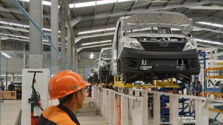 https: img.okezone.com content 2021 07 09 52 2438168 daftar-10-model-mobil-esemka-yang-siap-ramaikan-pasar-otomotif-indonesia-BLQ10btMd9.png
