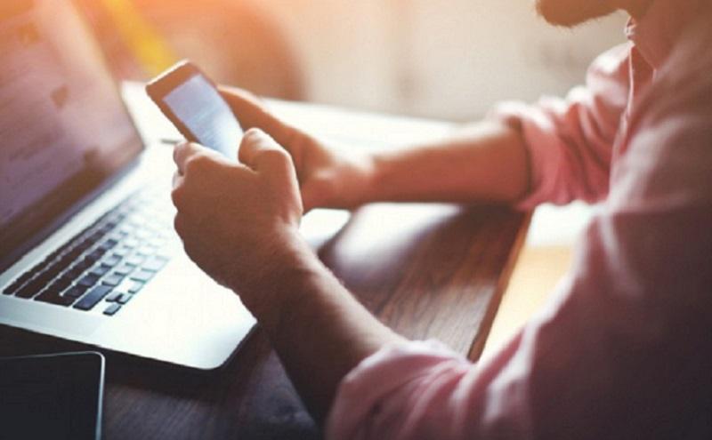 https: img.okezone.com content 2021 07 09 57 2438282 berapa-besar-kemungkinan-baterai-ponsel-meledak-QTfhAAiCAM.jpg