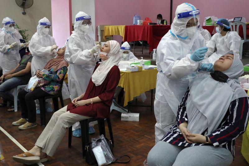https: img.okezone.com content 2021 07 10 337 2438698 pandemi-covid-19-bisa-berubah-jadi-endemi-begini-penjelasannya-lImkcW4gYM.jpg